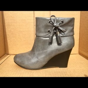 Steve Madden Wedge Ankle Boots Size 8